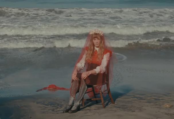 """Musique: Alexandra Savior sort la vidéo de """"Howl"""""""